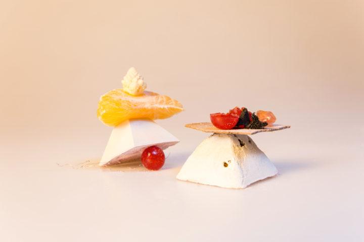 photo shooting culinaire workshop pyramide de béton tomate clementine choux romanesco par le studio frvr