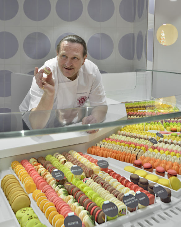 boutique macarons gourmands Yannick Lefort présentation macaron conception studio frvr