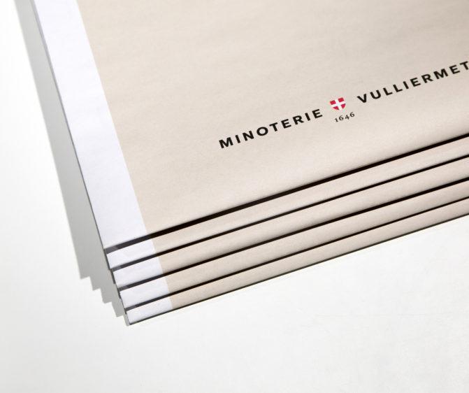 brochure graphisme Minoterie Vuillermet Savoie journaux empilés