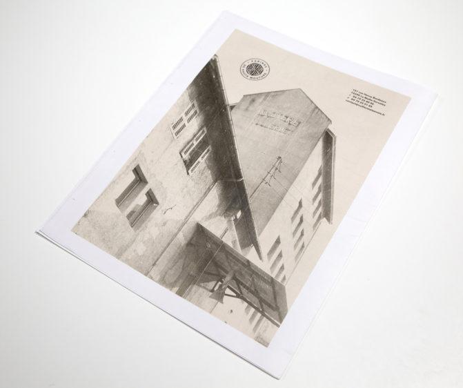 brochure graphisme Vuillermet Savoie journaux dos de couverture photo du moulin vintage