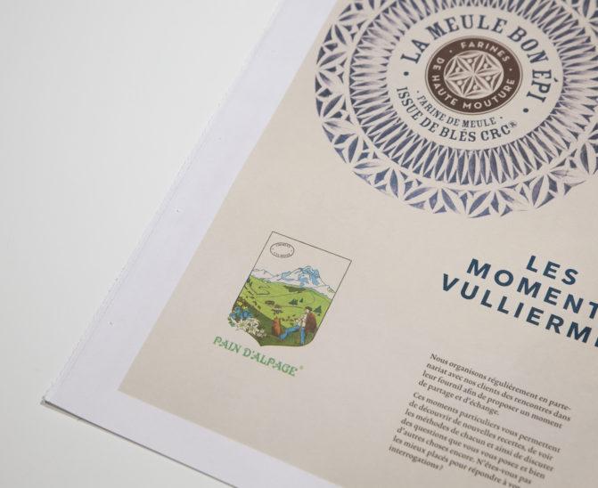 brochure graphisme Vuillermet Savoie journaux ouvert pain d'alpage