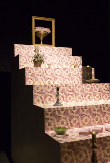 Scénographie soirée jambon beurre escalier scénographie texture motif conçu par le studio frvr