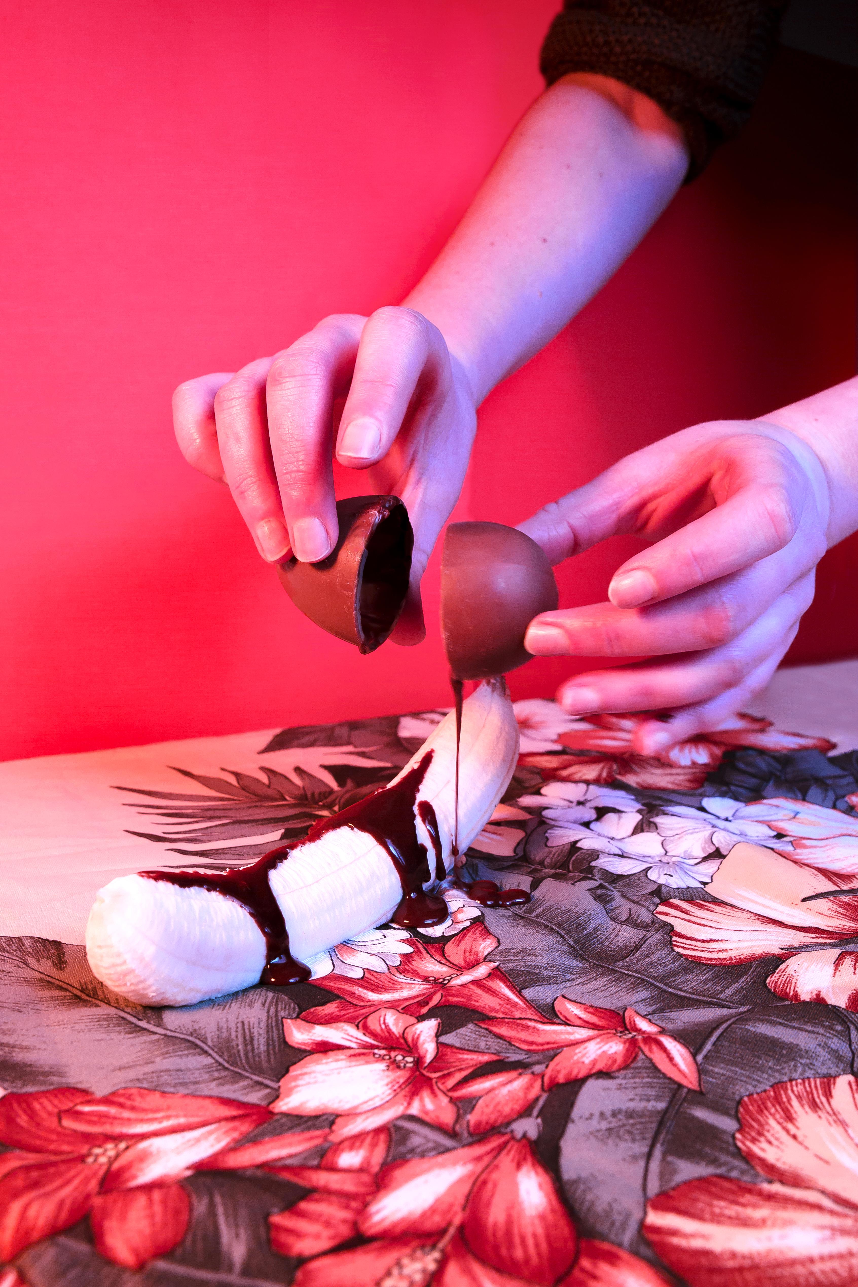 chocolat fondu sur une banane, oeuf de paques