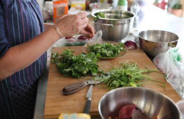 location cuisine lyon espace événementiel préparation coupe persil