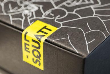 sticker jaune box squatt