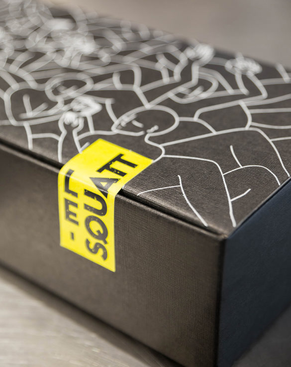 sticker jaune box squatt